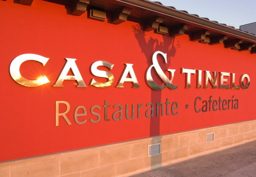 Bistró Casa y Tinelo. Restaurante Zaragoza - Movera. Fachada